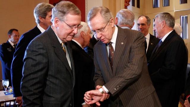 Der Senats-Führer der Demokraten, Harry Reid (rechts) und Mitch McConnell von den Republikanern (reuters/archiv)