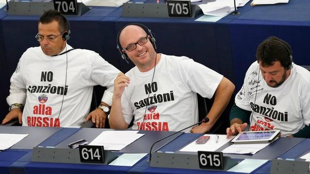 Lega-Mitglieder Buonanno, Fontana und Salvini im Europaparlament.