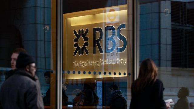 Firmenschild der Royal Bank of Scotland (RBS).