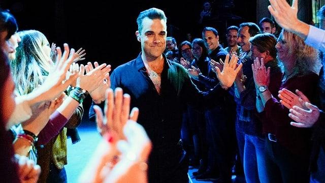 Video «SRF 3 Showcase mit Robbie Williams» abspielen