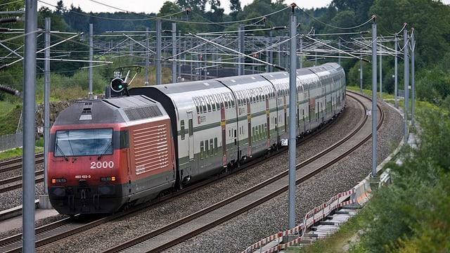Zug auf der Neubaustrecke Olten-Bern