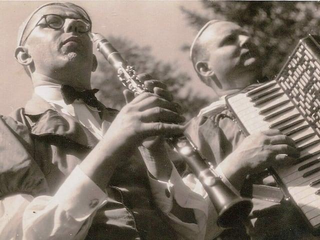 Jost Ribary senior spielt mit Albert Hagen.