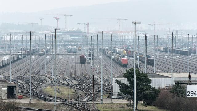 Der grosse Rangierbahnhof zwischen Schlieren und Dietikon bleibt wohl noch eine Weile so, wie er heute ist.