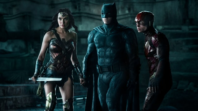Das Bild zeigt die drei Superhelden Wonder Woman, Batman und The Flash.