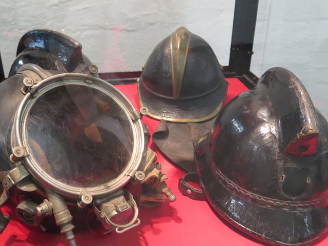 Alte Helme der Feuerwehr