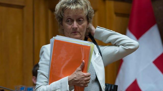 Finanzministerin Widmer-Schlumpf nach der Abstimmung zur Lex USA im Nationalrat.