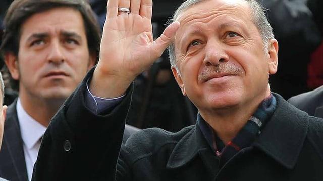 Recep Tayyip Erdogan e sia AKP èn lunsch ordavant.
