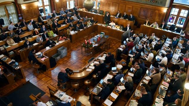 Die 125 Mitglieder des Zürcher Gemeinderats tagen im Rathaus.