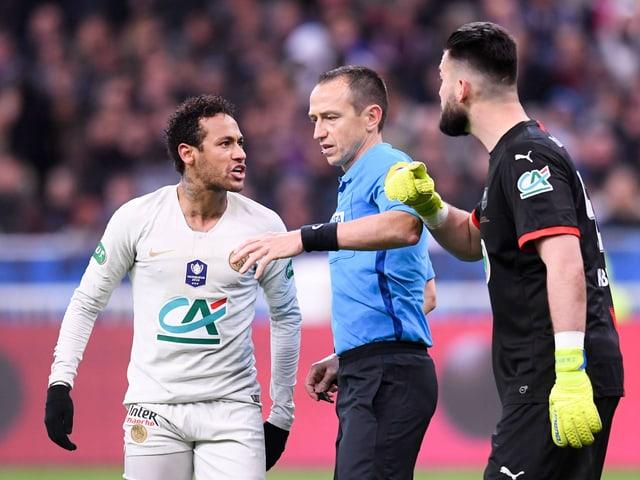 Neymar und der Schiedsrichter