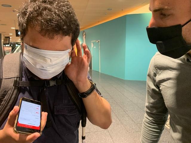 Test der Blinden-App am Bahnhof