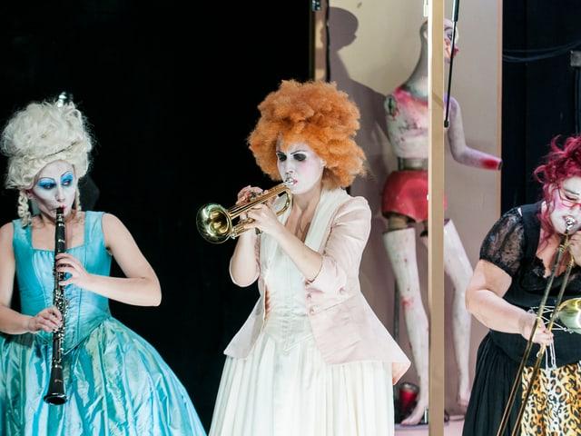 Szenenbild aus der modernen Oper «Figaro» am Theater Biel Solothurn.