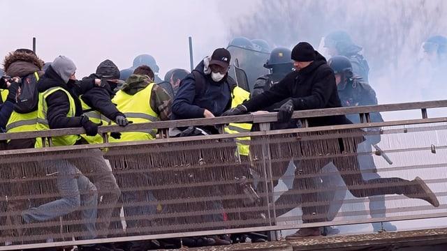Tumulte an Protesten der Gelbwesten.