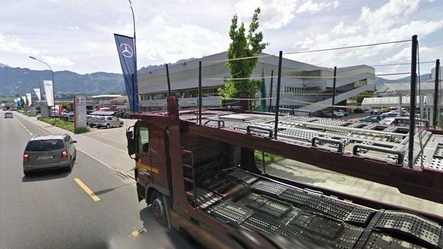 Die Automeile an der Thuner Gwattstrasse