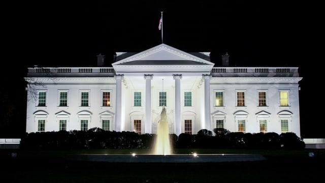 Das Weisse Haus bei Nacht.