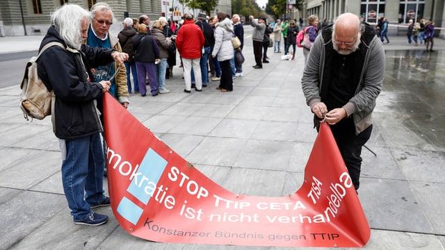 Demonstranten auf dem Bundesplatz