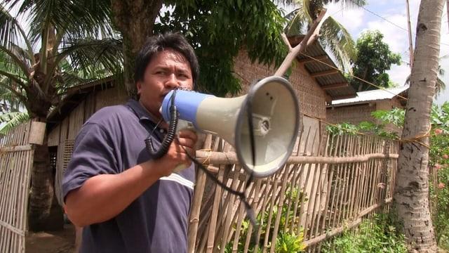 Video «Warence Bonita warnt vor Taifunen» abspielen
