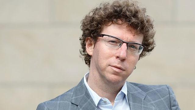 Ein Porträt des niederländischen Autors Arnon Grunberg.
