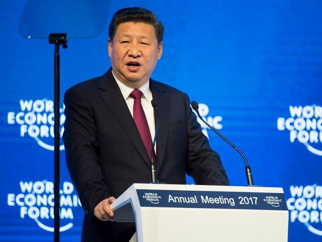 Jinping spricht 2017 am WEF in Davos.