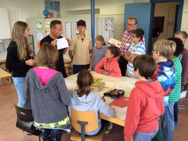 Schulklasse in Tagesschule in Zug.