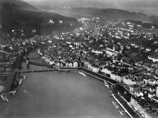 Die Aufnahme aus dem Jahr 1931 zeigt die Altstadt von Luzern.