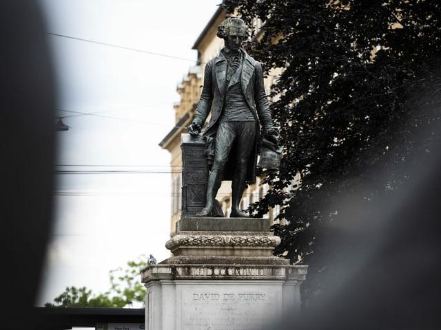 Die Statue des Neuenburgers David de Pury