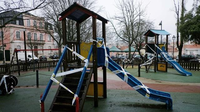 gesperrter Spielplatz