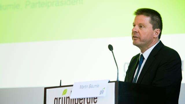 GLP-Präsident Martin Bäumle spricht an der Delegiertenversammlung in Biel.