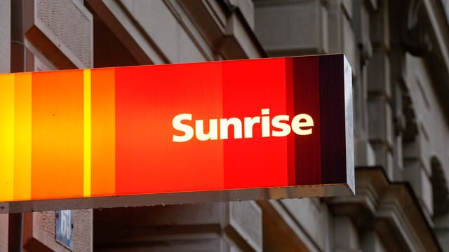 Sunrise-Schild an Gebäude