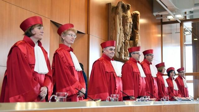 La dretgira da constituziun a Karlsruhe.