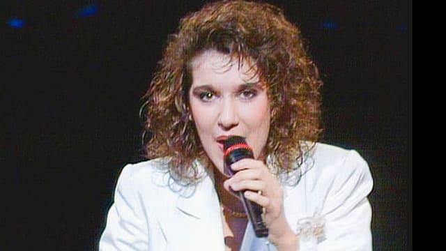 Céline Dion sang die Schweiz beim Eurovision Song Contest 1988 mit «Ne partez pas sans moi» zum Sieg. Seither gab es keinen Siegertitel mehr in französischer Sprache.