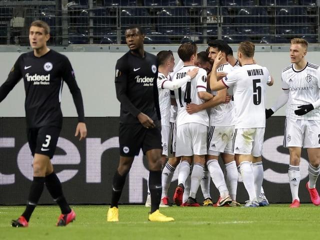 Die Basel-Spieler beim Auswärtssieg.