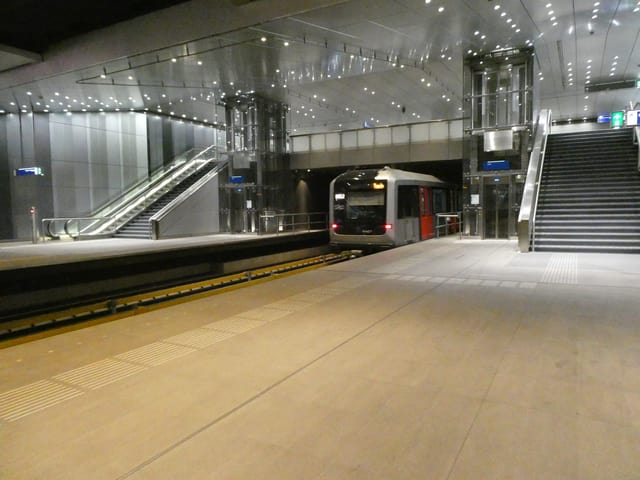 Waggon der neuen U-Bahn in einem U-Bahn-Tunnel der «Noord/Zuidlijn».