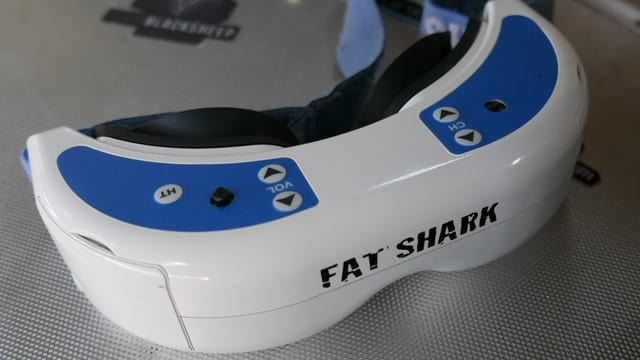Bild einer «First Person View»-Brille mit Namen «Fat Shark».