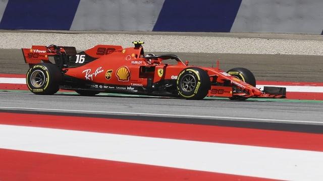 Leclerc en ses Ferrari.