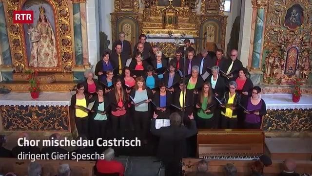 Il Chor mischedau Castrisch durant la festa da chant 2017 a Falera.