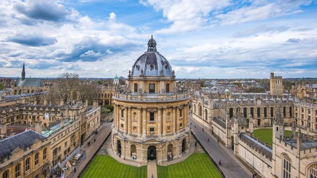 Radcliffe Camera, die Hauptbibliothek von Oxford.
