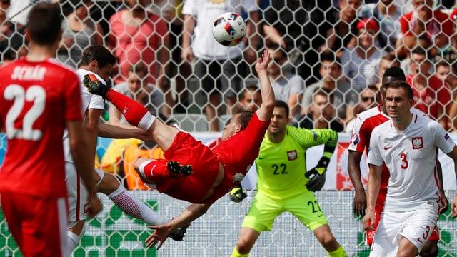 Il gol da dad in'autra perspectiva, direct da davant il gol.