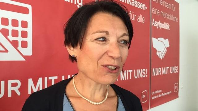 Yvonne Feri an einer Veranstaltung der SP.