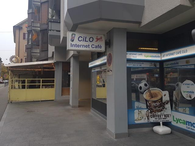 Das Cilo Internetcafé: ein kleiner Schuppen in den man sich 2 mal überlegt rein zu gehen.