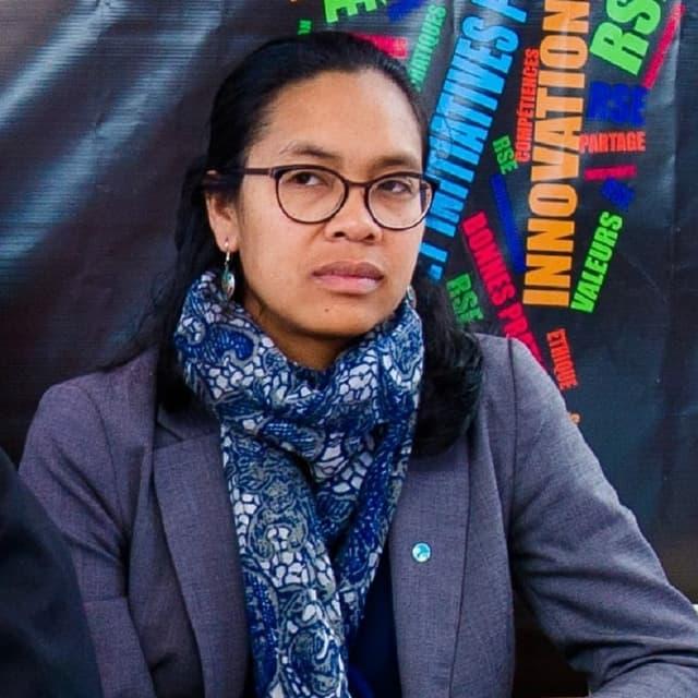 Ketakandriana Rafitoson ist eine madagassische Aktivistin und als Landes-Direktorin von Transparency International tätig.