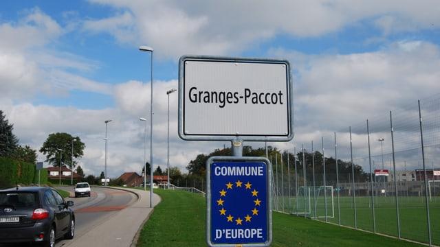 Das Ortsschild von Granges-Paccot.