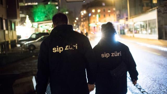 Zwei SIP-Mitarbeiter unterwegs in Zürich