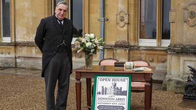 Jim Carter als Mr. Carson ist nicht einverstanden mit dem «Tag der offenen Tür».