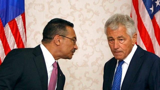 US-Verteidigunsminister Chuck Hagel und der malayanische Verteidigungsminister Hishammuddin Hussein.