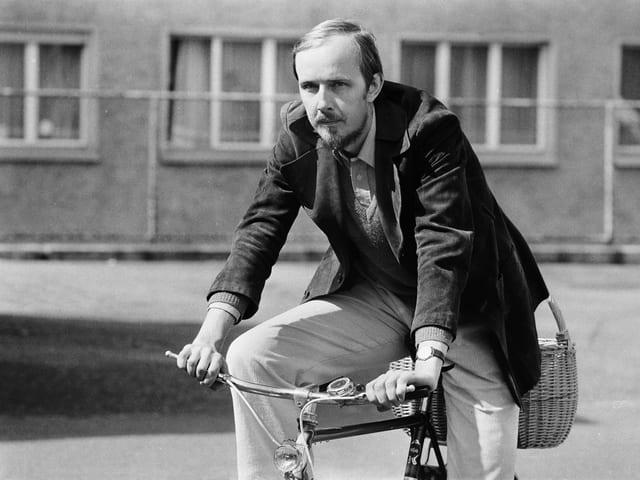 Rudolf Hafner auf dem Fahrrad
