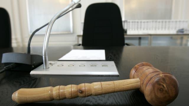Am Dienstag muss der Grosse Rat über die Wiederwahl der Oberrichter entscheiden. Umstritten ist nur einer. (Symbolbild)