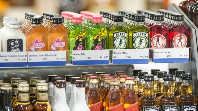 Spirituosen in einem Laden.