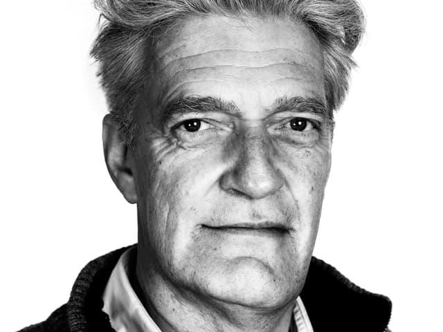 Schwarz-Weiss-Porträt von Max Moor.