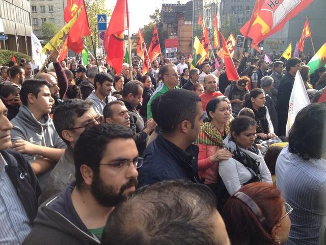 Kurdische Demonstranten in Zürich