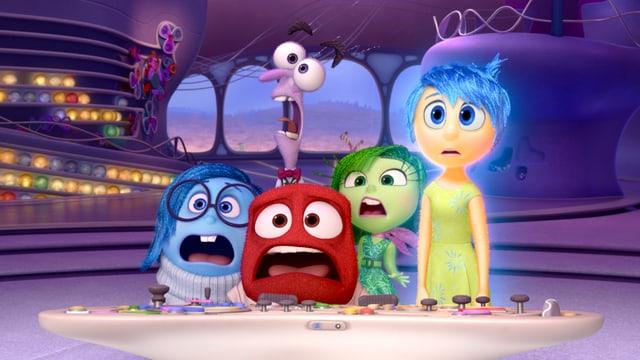 Fünf Zeichentrickfiguren schauen erschreckt in die Kamera.